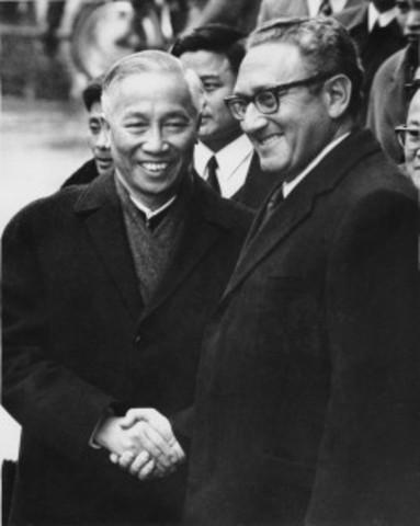 Saigon falls to communism