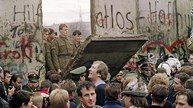 Ned rivingen av Berlinmuren