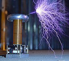 Bobina Transformador, Nikola Tesla