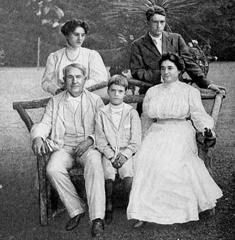 THOMAS I LA SEVA FAMILIA