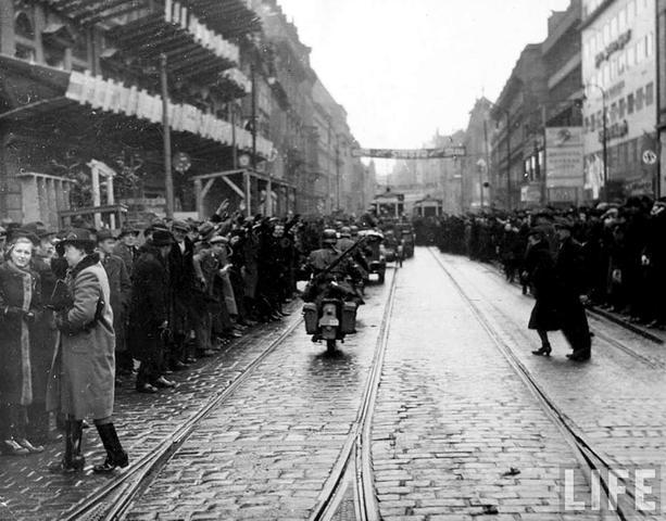 Nazis occupy part of Czechoslovakia