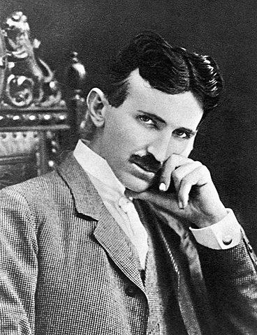 Primer contacte amb Tesla