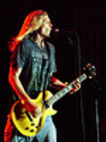 """Puddle of Mudd Releases """"Blurry"""""""