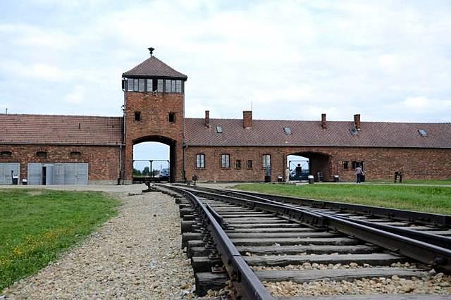 Holocausto Nazi (Campo de concentração)