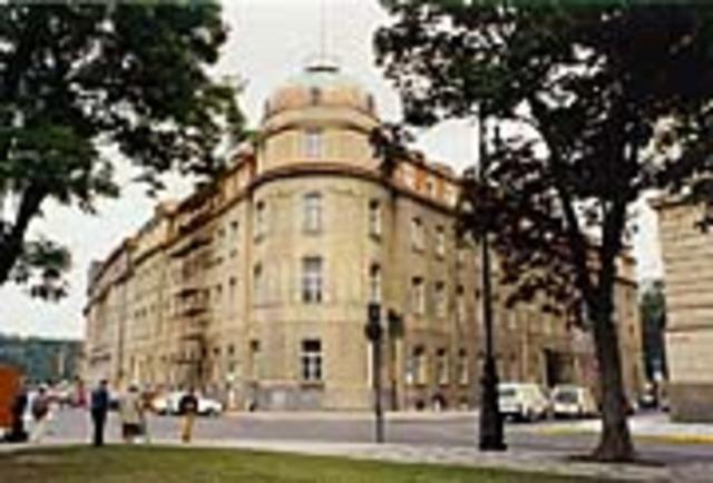 Torna a Praga per encarregar-se del conservatori de Praga