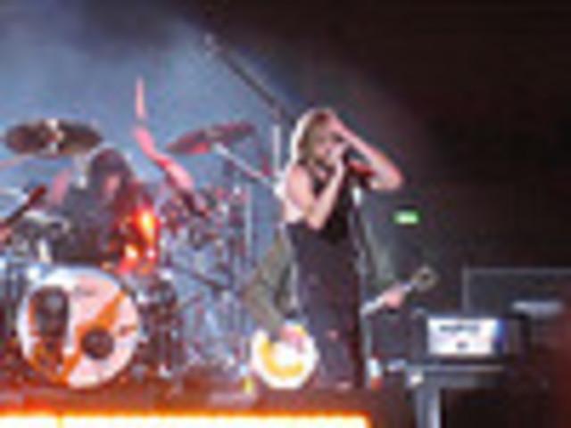 """Foo Fighters Releases """"Let It Die"""""""