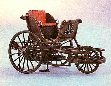 Pedal-powered vehicle with with complex mechanics