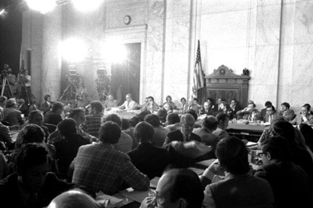 Televised Senate hearings on Watergate begin