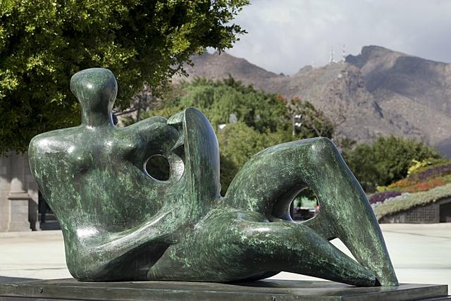 Maternidad con niño - Henry Moore