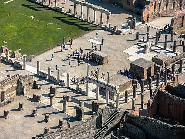 Redescubrimiento de Herculano y Pompeya.