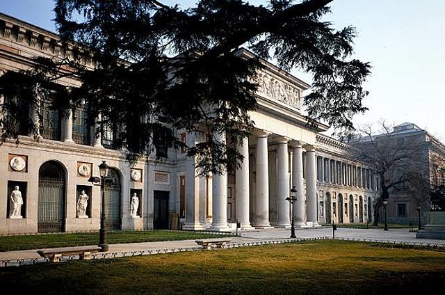 Inicia la construcción del Museo El Prado, Madrid.