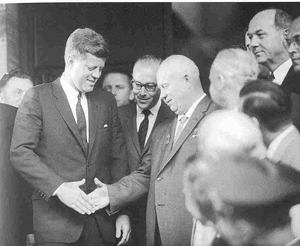 Kennedy i Khruixov es troben a Viena