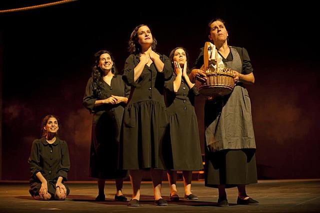 La casa de Bernarda Alba (acto 1)
