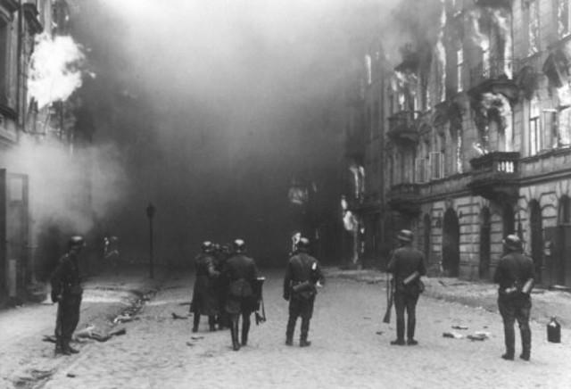 Germans attmept to liquidate Warsaw Ghetto
