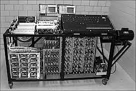 Primera computadora digital electrónica.