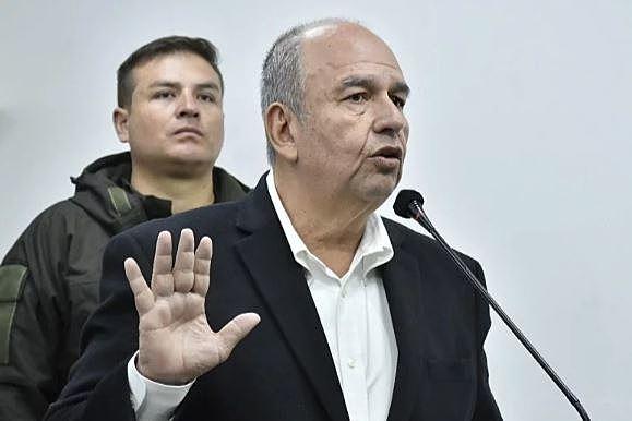 Ministro Murillo abre la posibilidad de estado de sitio para hacer cumplir la cuarentena