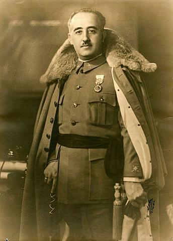 Franco, Generalísimo y Jefe de Gobierno del Estado