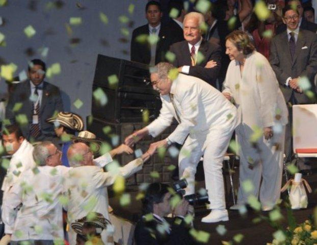 Gabriel García Márquez recibe el Premio Nobel de Literatura