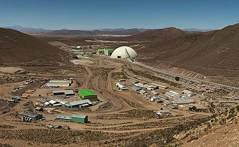 La principal compañía minera del país, San Cristóbal, suspende operaciones