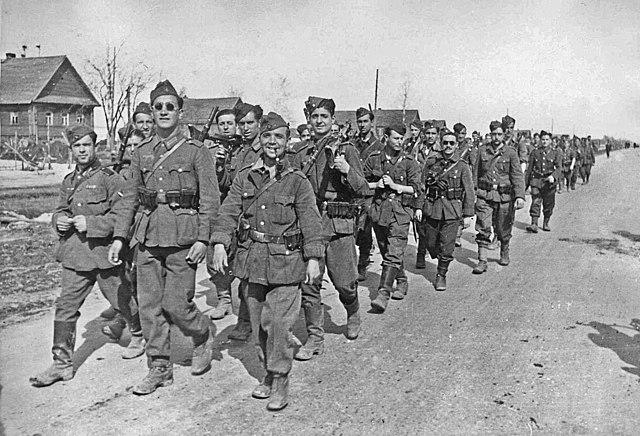 2ª etapa (1942-1945) fase totalitària