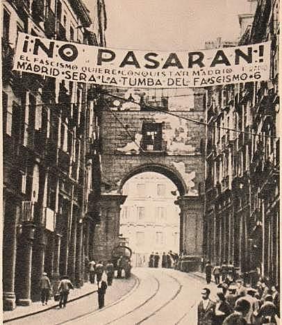 Entrada de las tropas franquistas en Madrid.