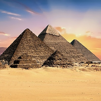 La piramide timeline