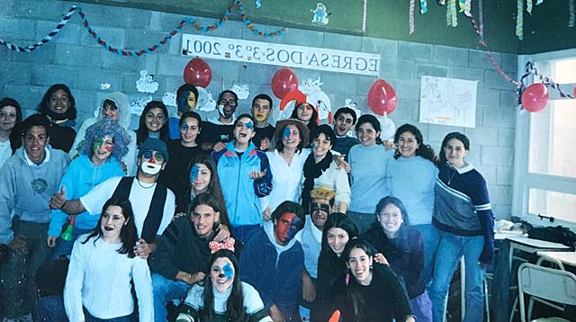 """Egresados 2001"""