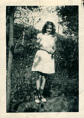 Loretta Moore Favret Born