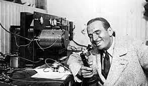En 1922, comienza la publicidad radiofónica.
