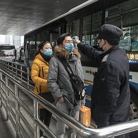 China makes wearing masks mandatory in public places