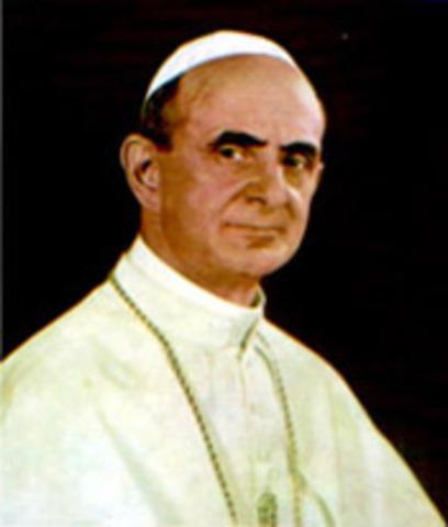 El Papa Pablo VI visita Colombia con ocasión del Congreso Eucarístico.