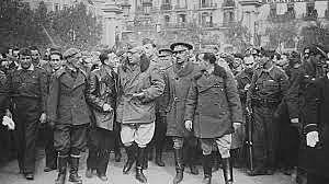 El gobierno de Negrín abandona Barcelona y se dirige a Figueras (Gerona) poco antes de que la capital catalana cayera en manos franquistas
