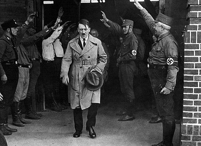 Hitler gjør hæren klar til agnrep mot Sovjetunionen