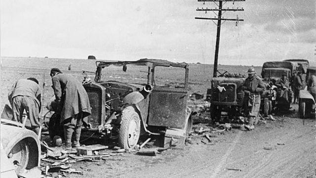 Las fuerzas republicanas derrotan a las tropas italianas en la batalla de Guadalajara.