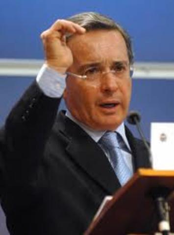 Alvaro Uribe Velez (Presidente de Colombia)