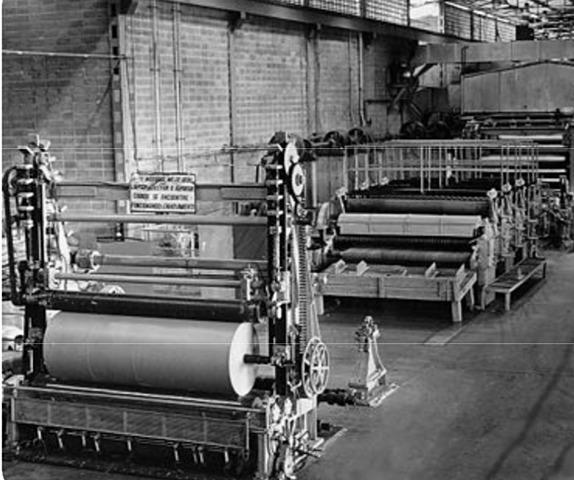 Máquina para producir papel industrialmente