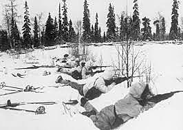 União Soviética ataca a Finlândia.