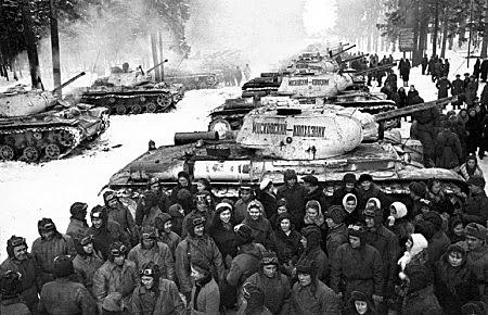 Alemanha invade a Bélgica, Holanda, Luxemburgo e norte da França