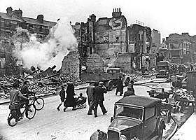 A Alemanha começa a bombardear o sul da Inglaterra