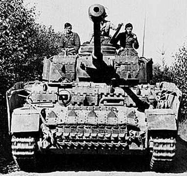 Começam as incursões militares italianas no norte da África.