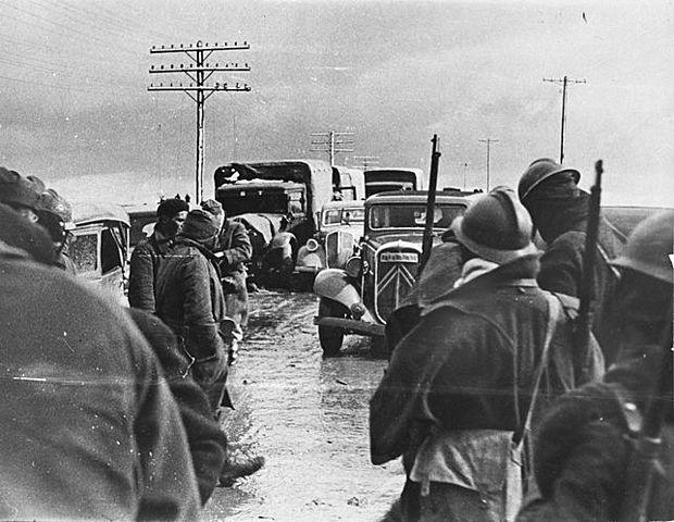 (Marzo 1937) Las fuerzas republicanas derrotan a las tropas italianas en la batalla de Guadalajara