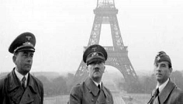 Paris é tomada pelos alemães.