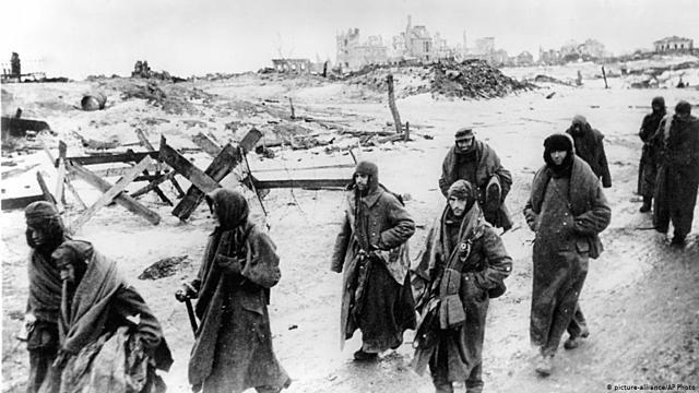 Início a Batalha de Stalingrado.