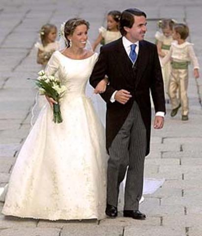 Es va casant amb Anna Cermakova.