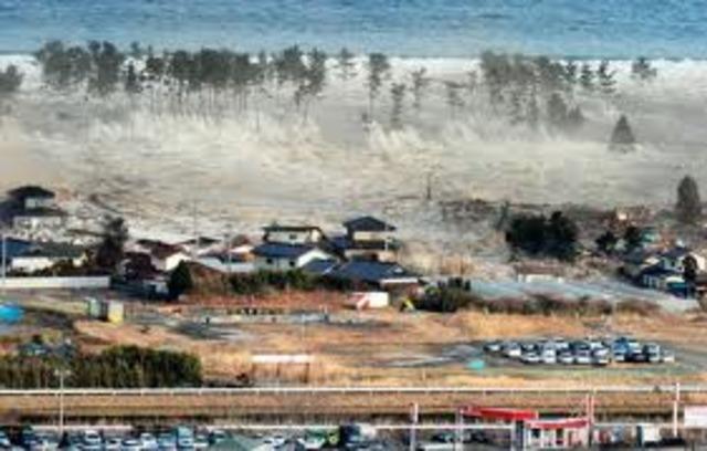 Tsunami come after Japan Earthquake