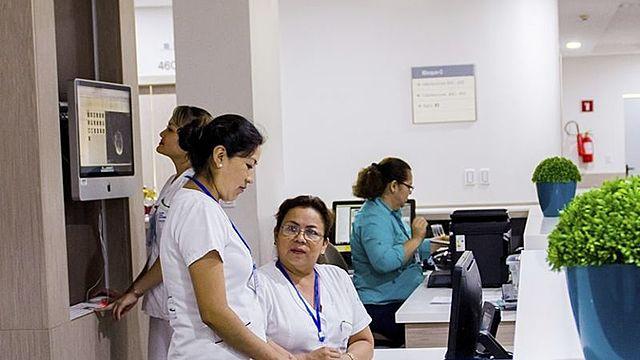 A diferencia de La Paz, clínicas de Santa Cruz sí atienden casos de Covid-19