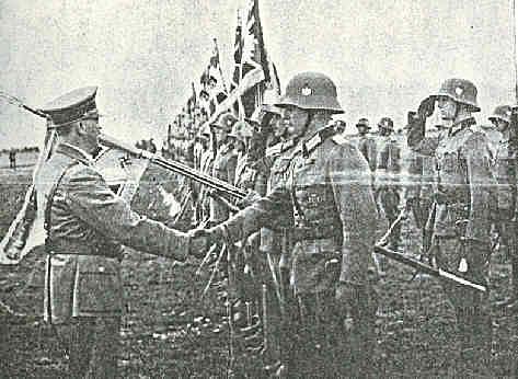 Hitler opens Gieb
