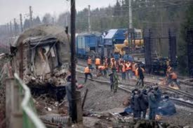 71 die in a train crash in Shandong, China