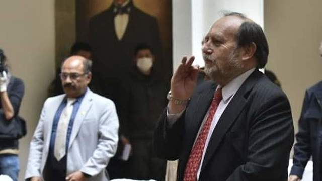 Añez designa a Marcelo Navajas como nuevo Ministro de Salud