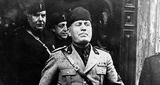 Mussolini arriba al poder